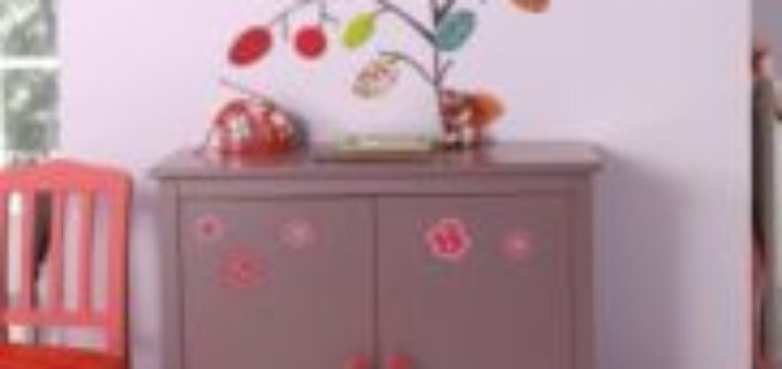 Meuble chambre fille bebe confort axiss for Meuble bas chambre enfant